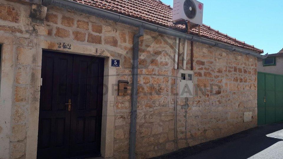 Haus, 102 m2, Verkauf, Sutivan
