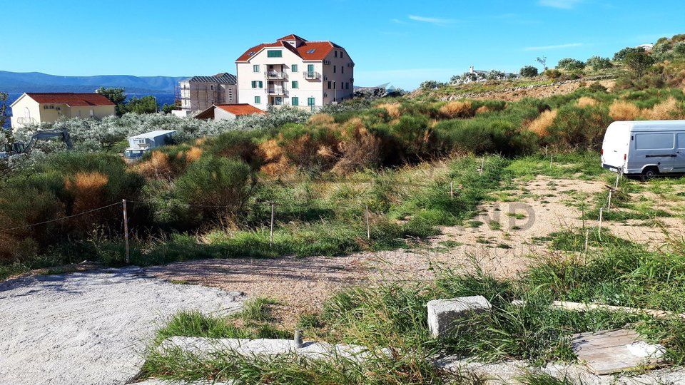 Two building plots in Bol