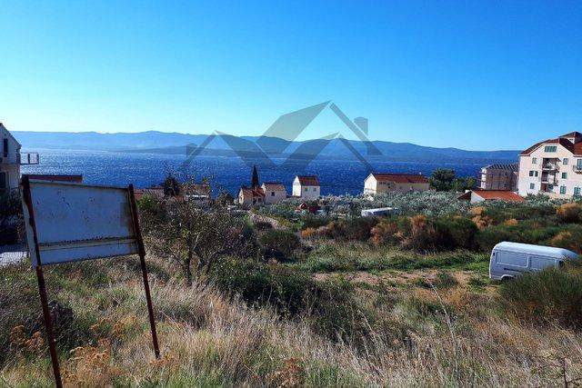 Dvije građevinske parcele  u Bolu