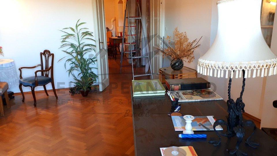 Casa, 365 m2, Vendita, Nerežišća