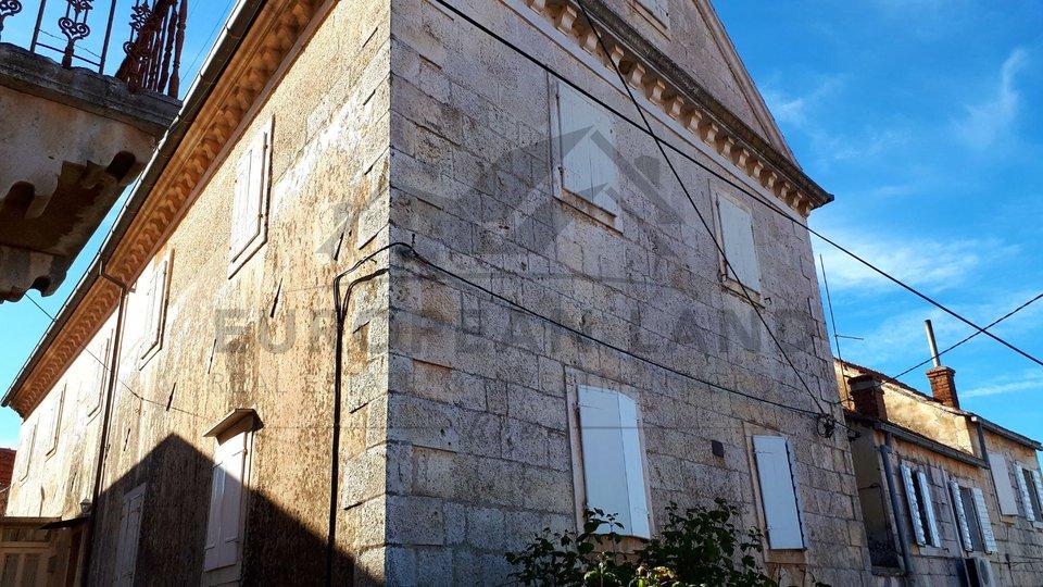 Beautiful old villa in Nerežišća