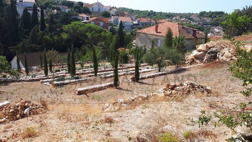 Building plot in Milna
