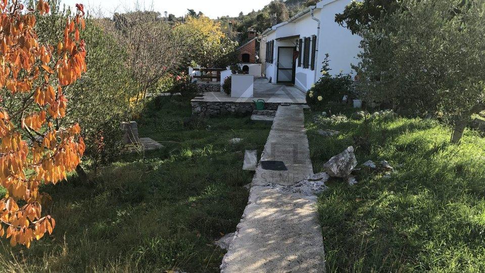 Dvije kuće u Dračevici