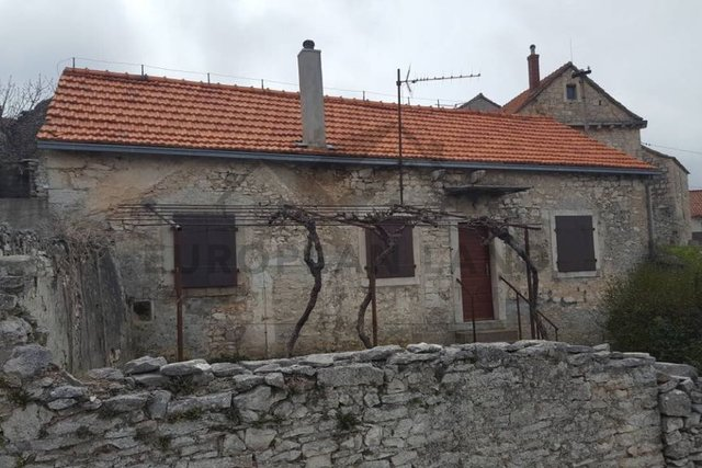 Old stone house in Nerežišća