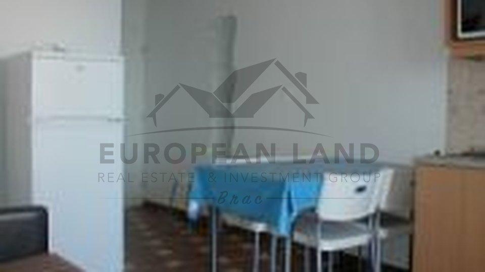 Villa with apartments in Sutivan