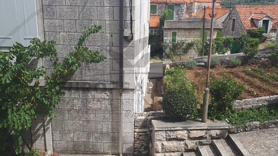 Old stone house in Nerežišća
