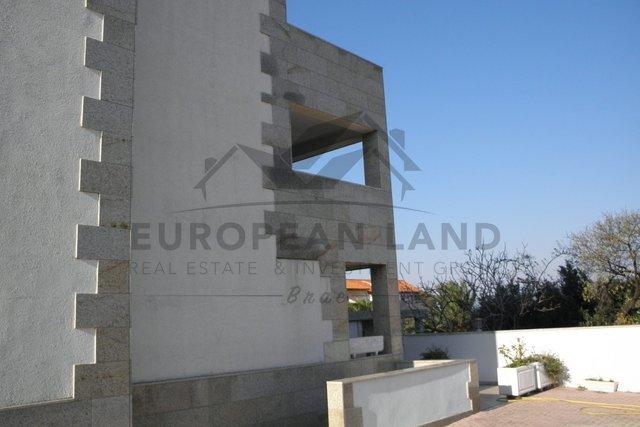 Albergo, 750 m2, Vendita, Supetar