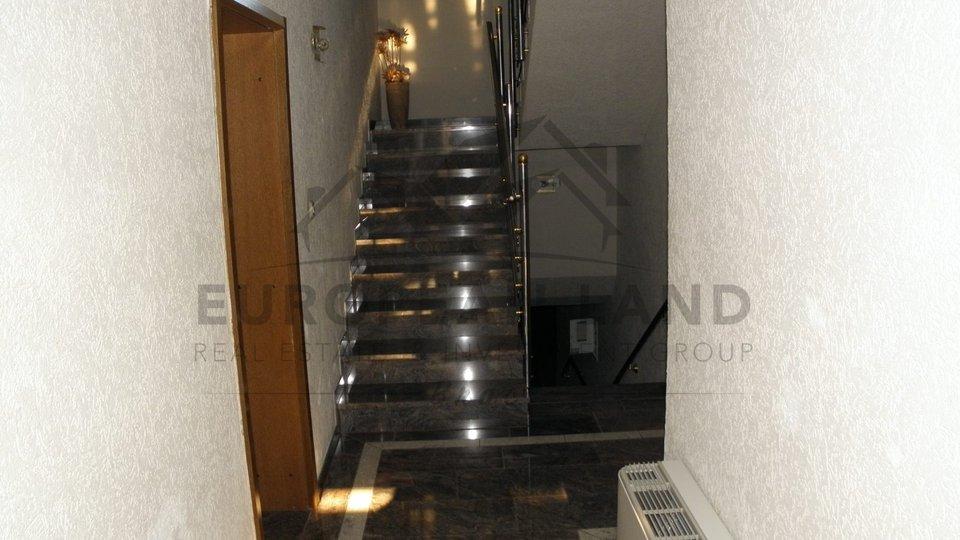 Hotel, 750 m2, Prodaja, Supetar
