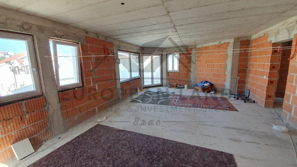 Zwei roh-bau Wohnungen in Supetar