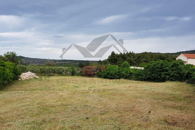 Building plot in the center of Nerezisca