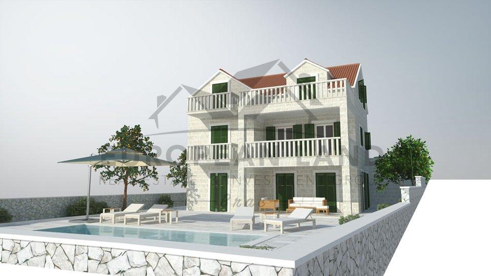 Kuća sa tri stana - Splitska