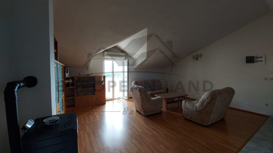 "Supetar ( in ""Pliva"" settlement) - Comfortable apartment in a family house"