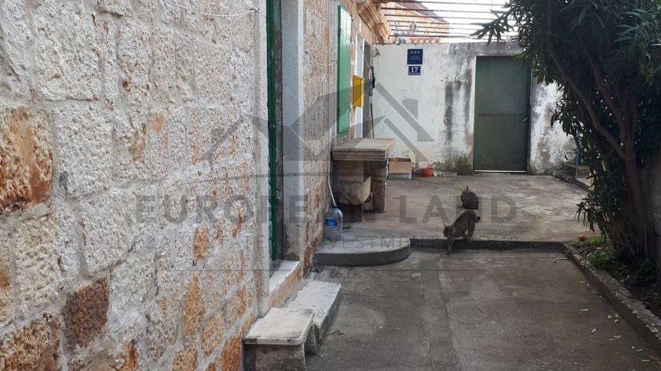 Apartment in Sutivan