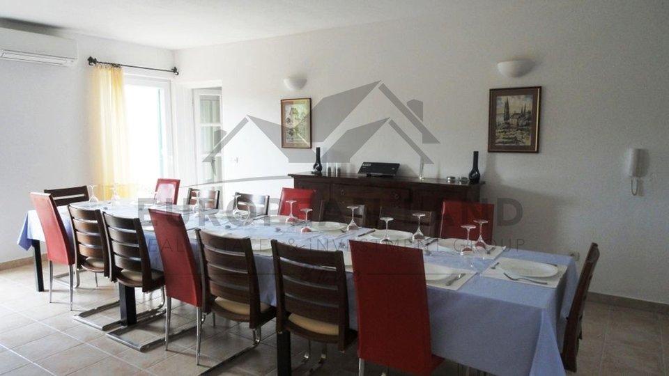 Villa in Mirca
